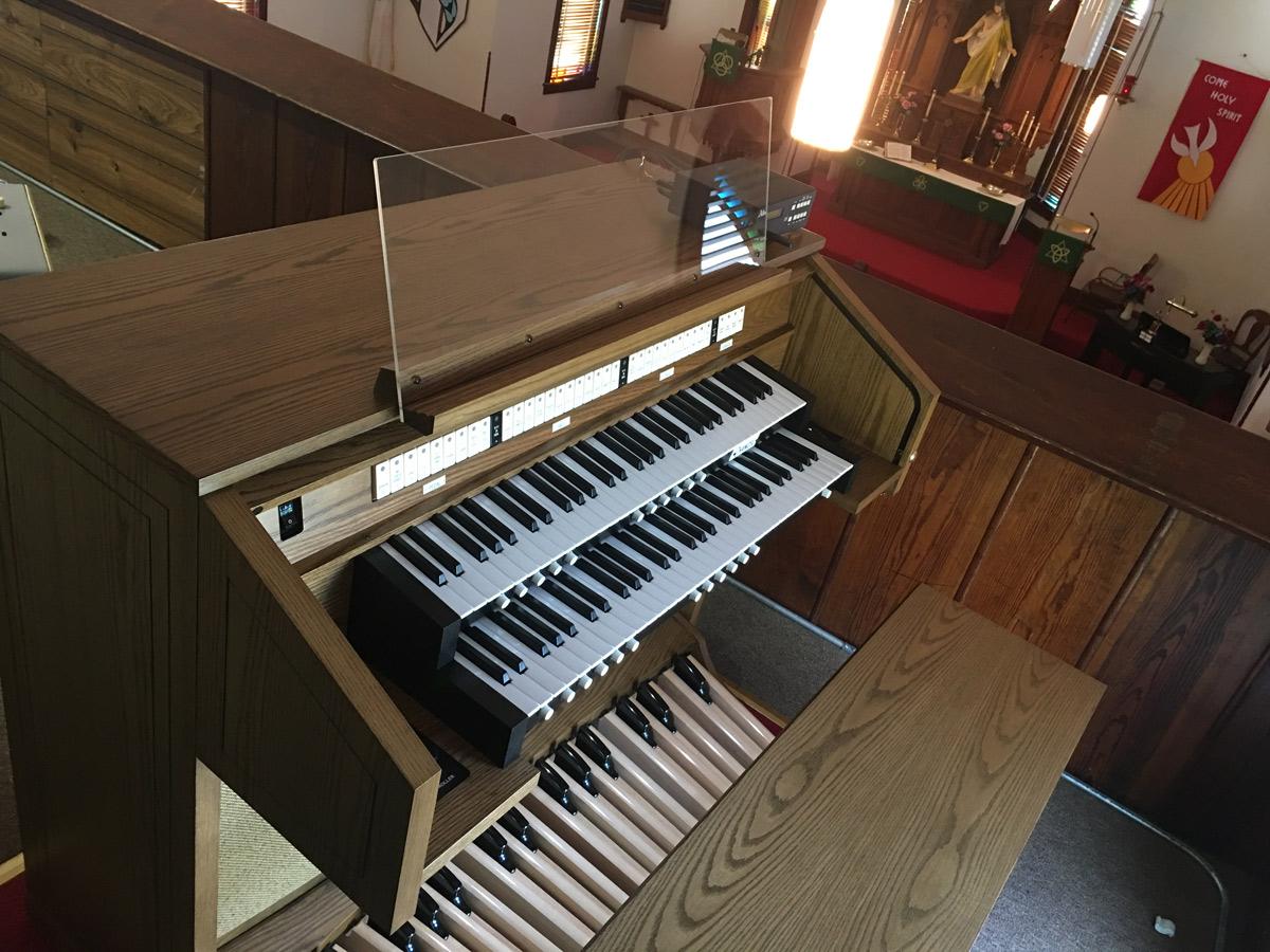 Allen CF-4 - Trinity Lutheran Church - Clarks Fork, MO