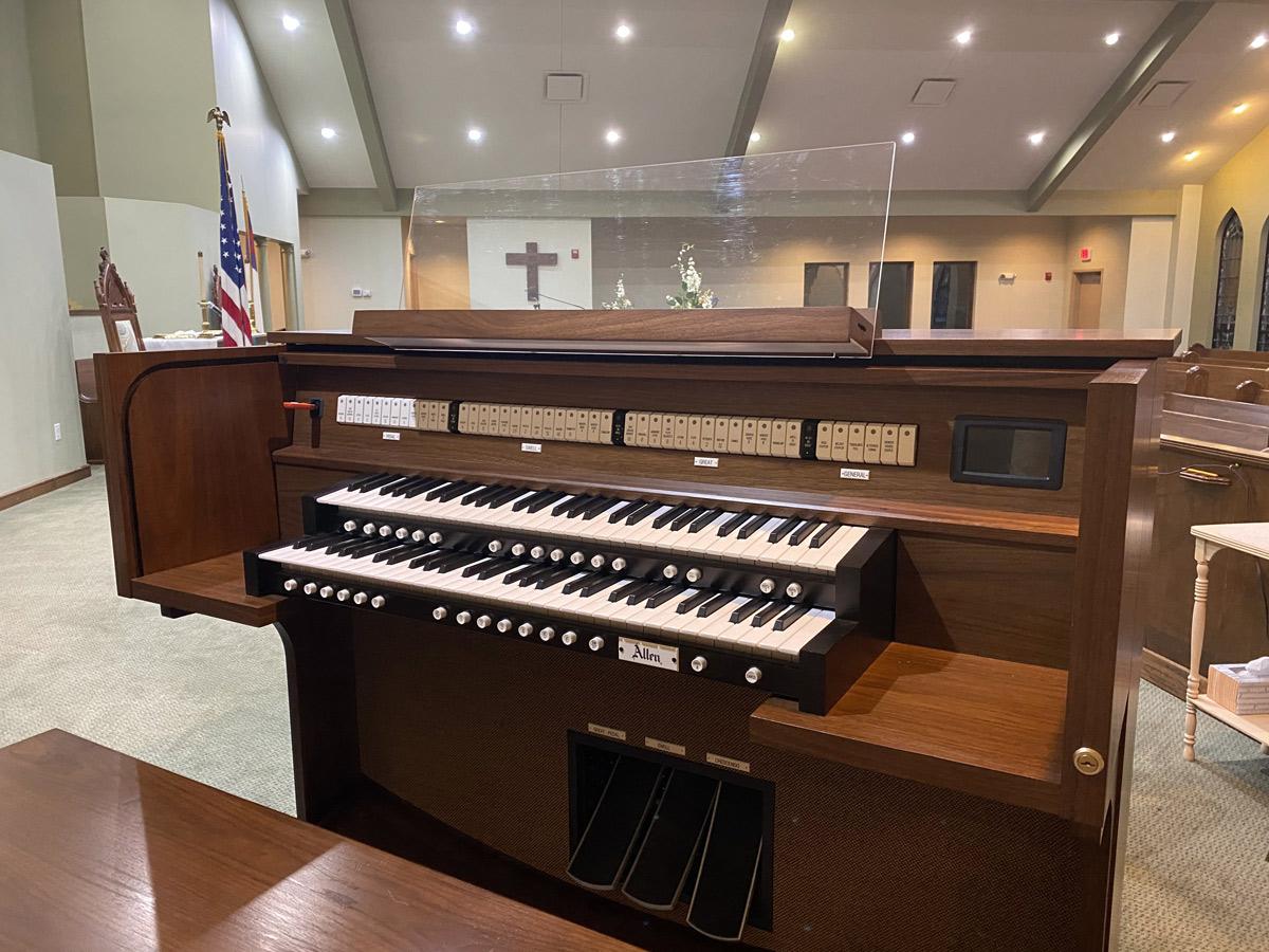 Allen G220 - United Christian Presbyterian Church, Richmond, MO